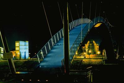 Innenhafen suspension bridge, Duisburg
