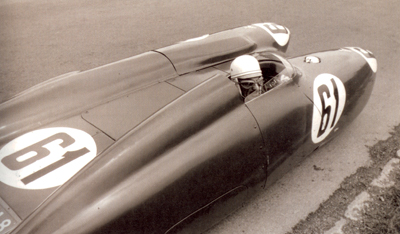 carlo-mollino-in-the-bisiluro-racecar1